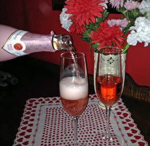 Anna by Codorniu makes a big impression with its new stylish bottle, perfect for Valentine's Day.