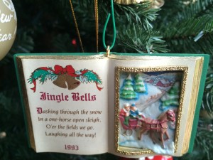 Listen to Jingle Bells while enjoying mulled wine!