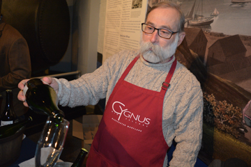 Cygnus Wine Cellars sparkling wine at Winter Wine Event